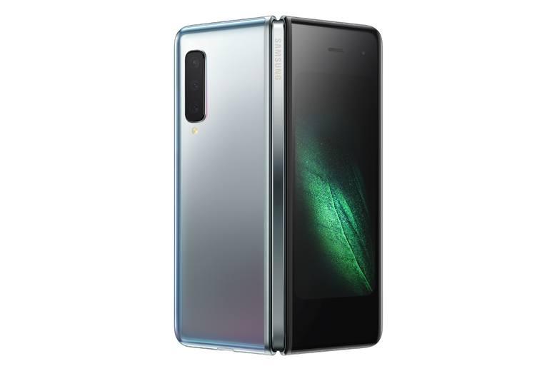 Pierwszy smartfon Samsunga z elastycznym, składanym ekranem trafi do Polski jeszcze w październiku