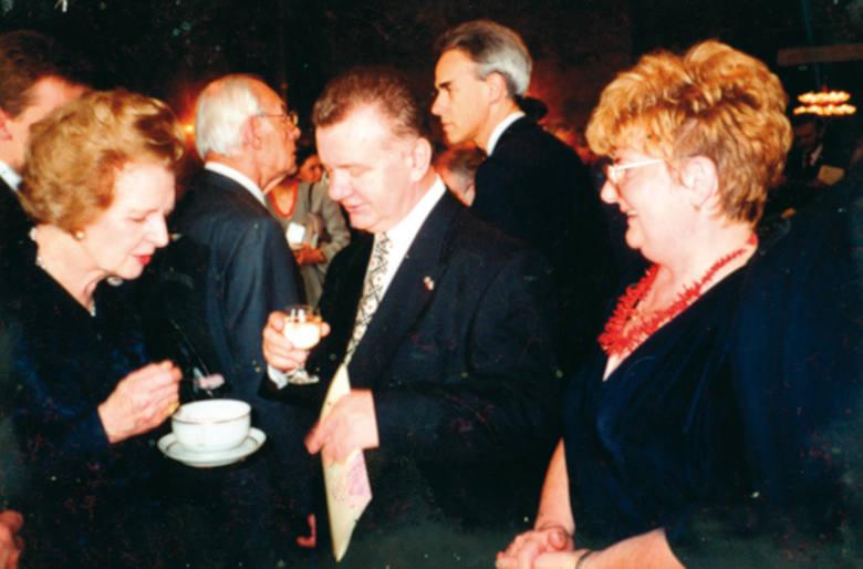 W Ogrodzie Smaków gościła m.in. Margaret Thatcher. Słynna brytyjska premier Margaret Thatcher zajadała się u pani Marii chłodnikiem, który przygotowano specjalnie dla niej.