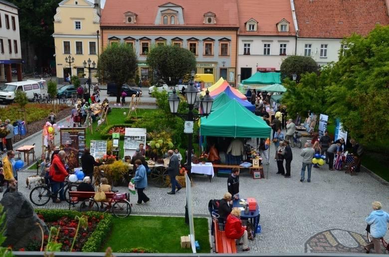 Jarmark Ziemi Kluczborskiej był głównym punktem programu Europejskich Dni Dziedzictwa w Kluczborku.Zorganizowany został na zmodernizowanym kluczborskim
