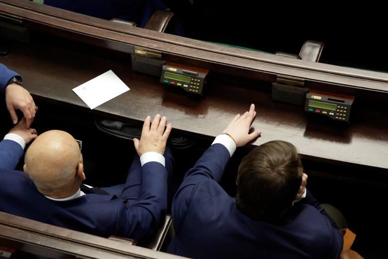 Wrocławski okręg numer 3 reprezentuje w Sejmie 14 posłów. Nasi reprezentanci właśnie ujawnili to, co posiadają. Ich najnowsze oświadczenia majątkowe