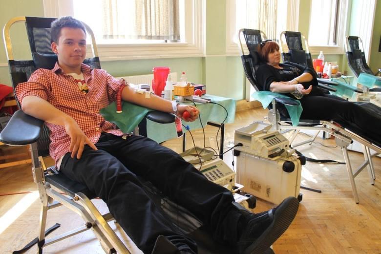 - Warto być honorowym krwiodawcą - przekonuje 18-letni Wojciech Walkowicz.