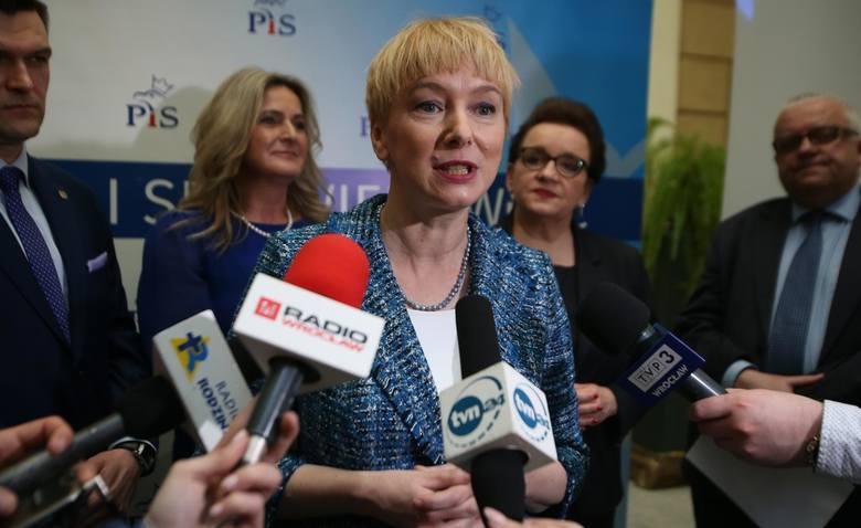 W sytuacji  gdy premier Mateusz Morawiecki  wystartował w wyborach jako jedynka PiS-u w Katowicach, to podobnie jak to było w 2015 roku, Mirosława Stachowiak-Różecka