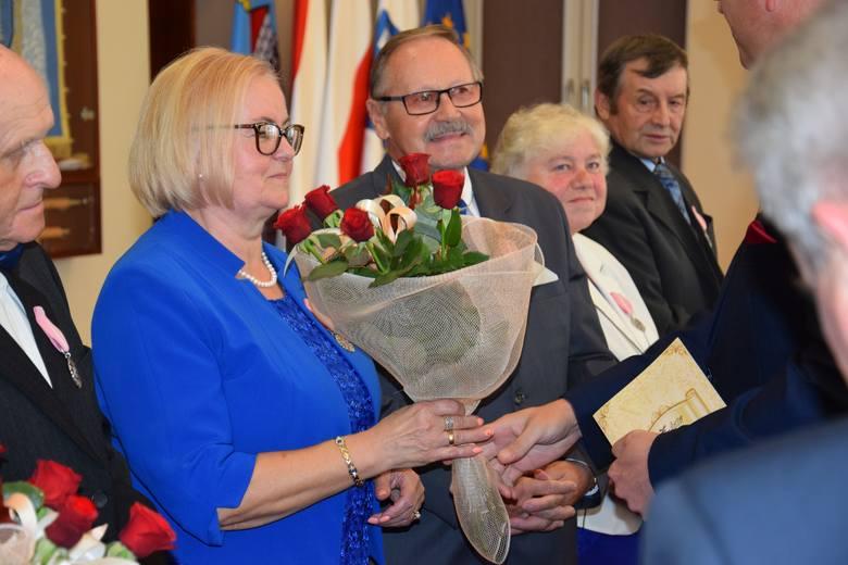 Za nami kolejne święto par z gminy Żnin. Medale nadane przez prezydenta RP, a wręczone przez burmistrza Żnina, otrzymali państwo Aniela i Zbigniew Bodenszac