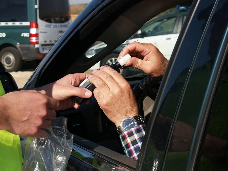 Kierowcy grozi teraz kara pozbawienia wolności do lat 2 i wysoka grzywna.