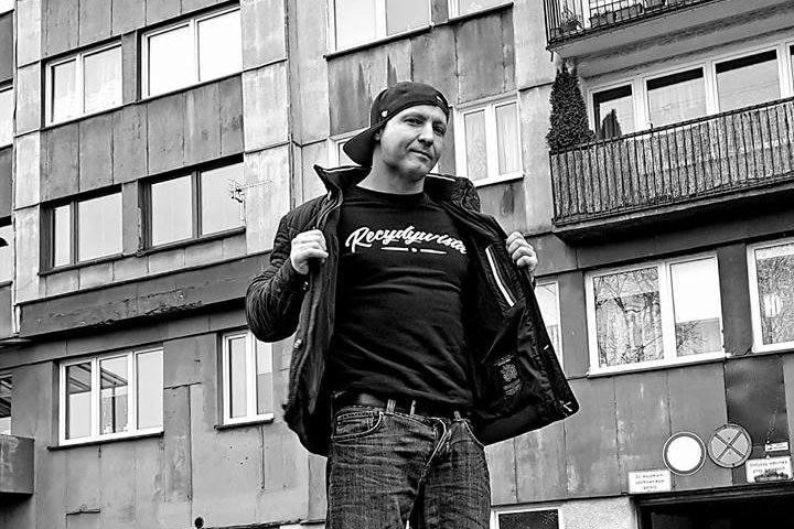 Uroczyste pożegnanie zmarłego nagle rapera Tomasza Chady będzie w Opolu. Wydarzenie będzie otwarte dla fanów z całej Polski, a organizuje je wytwórnia