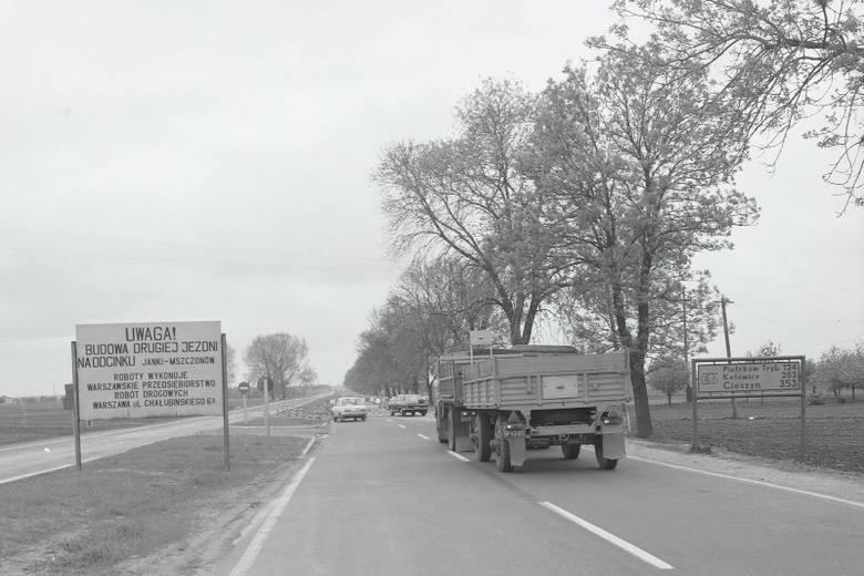 Zobaczcie archiwalne zdjęcia.  Odcinek Warszawa - Tomaszów Mazowiecki