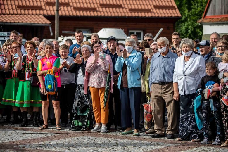 Miliony selfie z prezydentem. Tak wyglądała kampania Andrzeja Dudy na kilka godzin przed II turą. Zobacz galerię naszych fotoreporterów