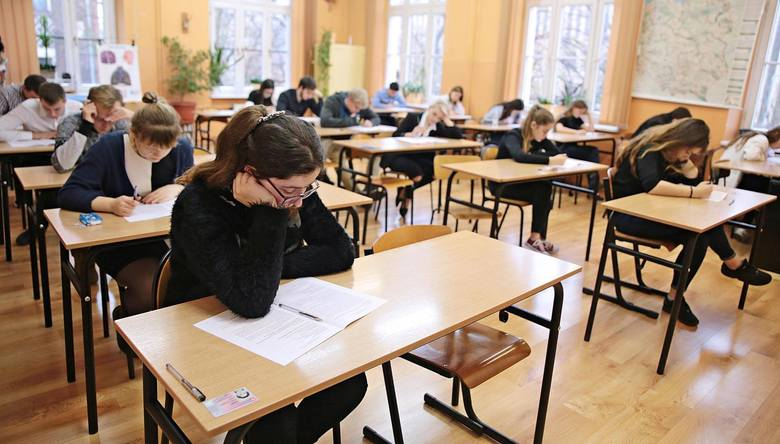 """Najlepsze licea we Wrocławiu. Sprawdziliśmy, które licea we Wrocławiu zostały uznane za najlepsze według rankingu """"Perspektyw"""". Pod"""