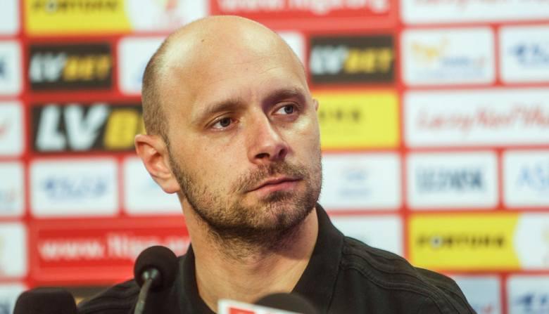 Ponoć najbliżej objęcia stanowiska trenera Zagłębia Lubin jest Słowak Martin Sevela, ale wg medialnych spekulacji Artur Skowronek jest opcją numer d