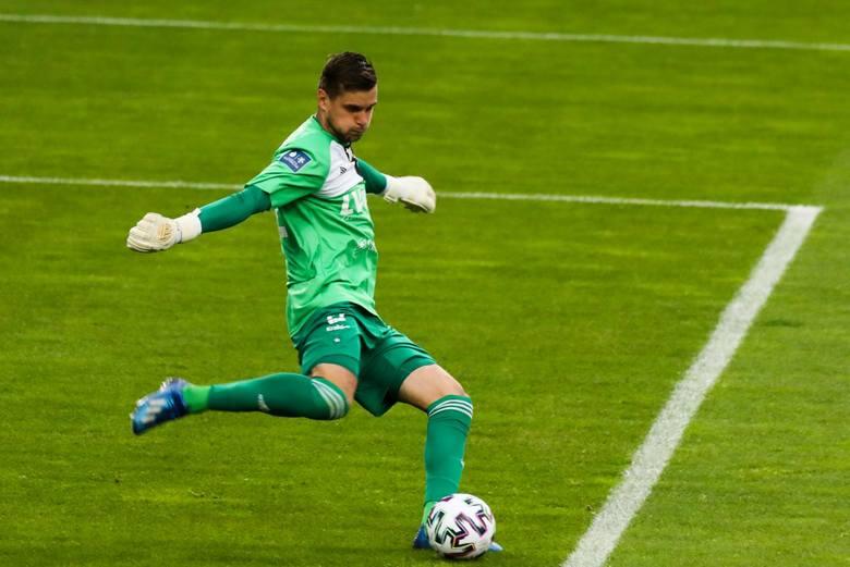 Za mecz: Wisła Kraków - Piast Gliwice 3:4Rozegranych minut: 90Popełnił fatalny błąd przy strzale z dystansu Dominika Steczyka, który tchnął życie w Piasta.