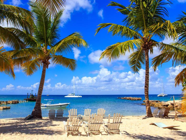 Włączenie kilku ekstra dni wolnych do planowanego wyjazdu to kolejny sposób, aby zaoszczędzić kilka dni z urlopowej puli, nie skracając jednocześnie