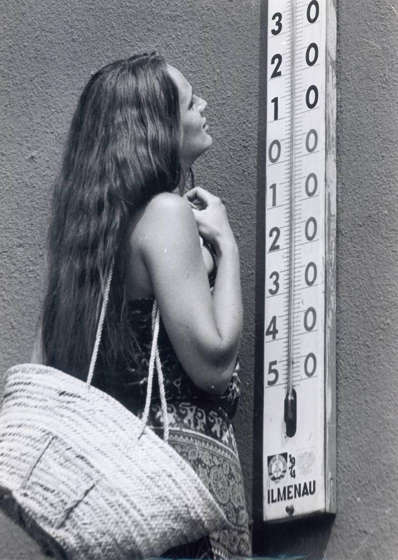 Wrocław. 36 stopni na rtęciowym termometrze. Temperatura może się jeszcze powtórzyć, rtęciowych termometrów już w sprzedaży nie ma...