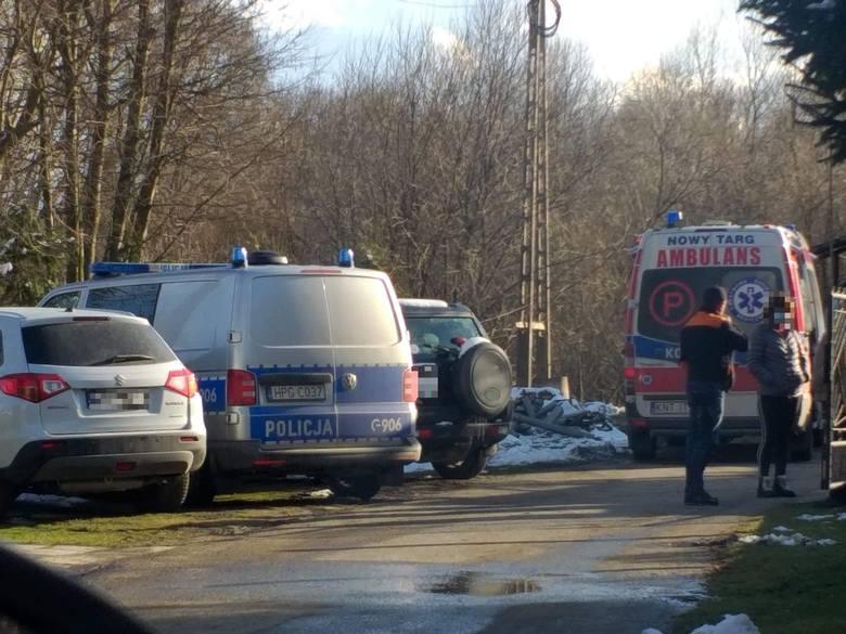 Tajemnicza tragedia w Szaflarach. W środę znaleziono dwóch martwych braci. Policja bada sprawę