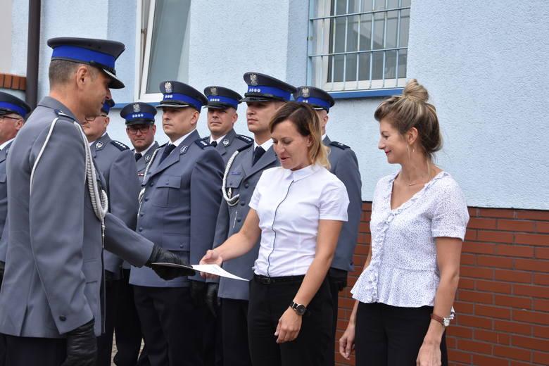 Nagrody komendanta głównego otrzymały w Nakle także pracownice cywilne: Anna Ozga i Lidia Zakrzewska. Gratulujemy!