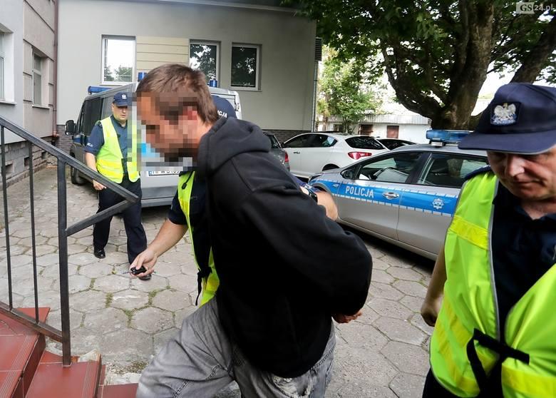 Pobicie księdza w Szczecinie: Zarzuty i areszt dla oskarżonych [ZDJĘCIA]