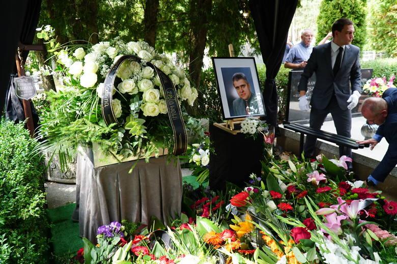 W poniedziałek na cmentarzu junikowskim w Poznaniu pożegnano Czesława Kaliszana, znanego dziennikarza sportowego, związanego przez ponad 30 lat ze stacją