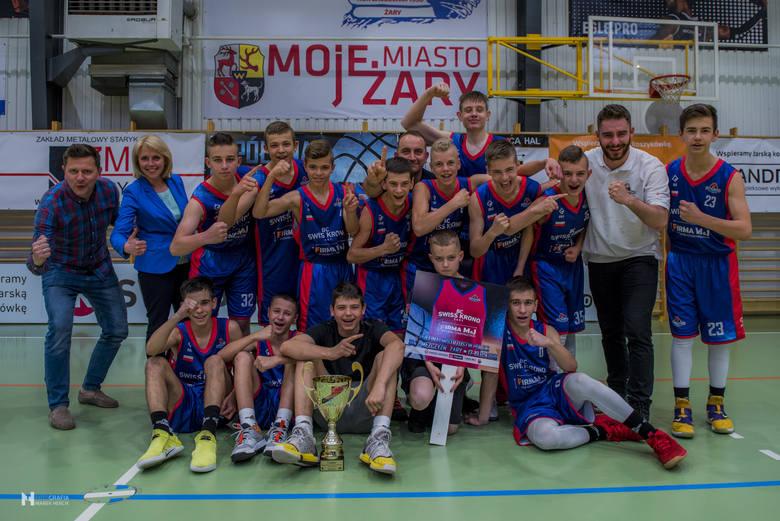 W Żarach odbył się półfinał mistrzostw Polski w koszykówce młodzików. Do wielkiego finału awansowała miejscowa drużyna BC Swiss Krono Żary i UKS Ósemka