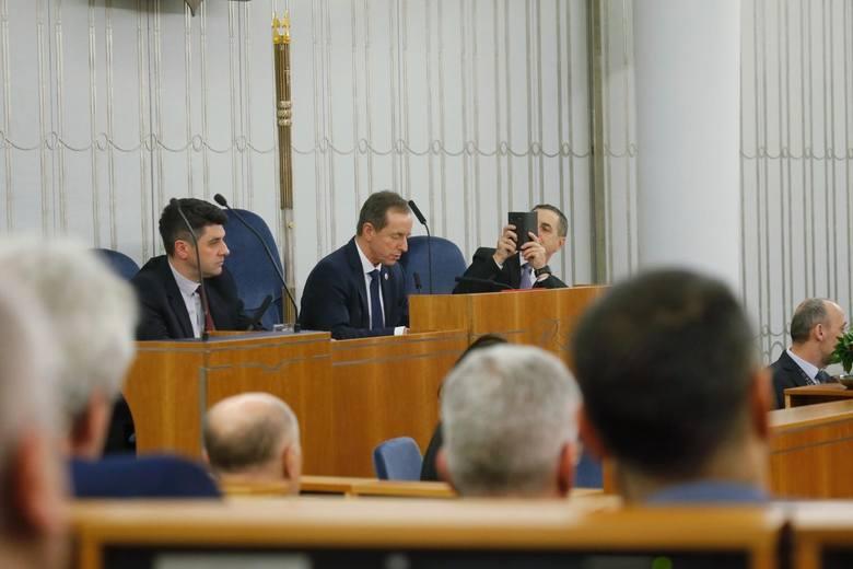Posiedzenie Senatu dotyczące Tarczy Antykryzysowej