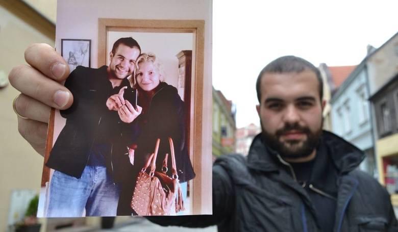 Mateuszowi z Rybnika 1 listopada zmarła ukochana żona, dzień później złodzieje ukradli mu komputer z jej zdjęciami. - Błagam, oddajcie, to jedyne pamiątki