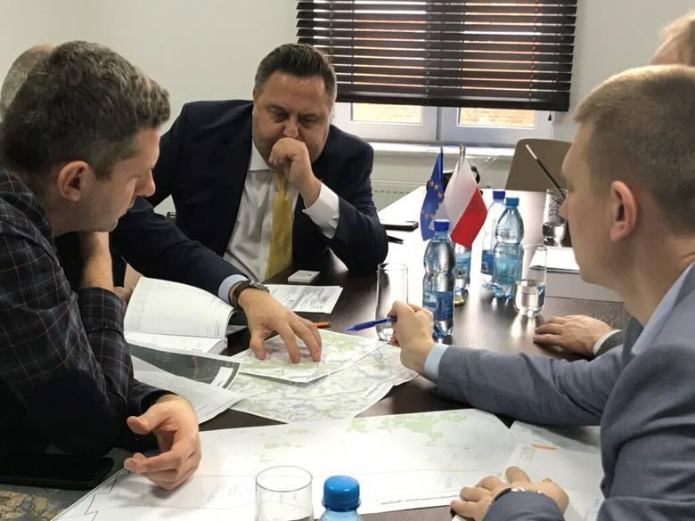 Polska Spółka Gazownictwa dostarczyła gaz ziemny do pierwszego odbiorcy w Siedliskach, co pozwoliło dołączyć Gminie Ełk do grona 61 gmin zgazyfikowanych