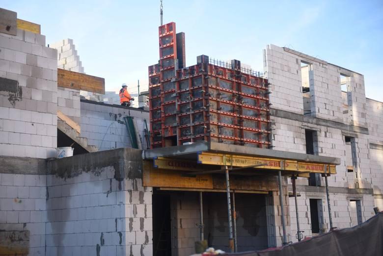 Ukraińcy przyjeżdżający do Polski znajdują zatrudnienie w różnych branżach, ale przede wszystkim w budownictwie.