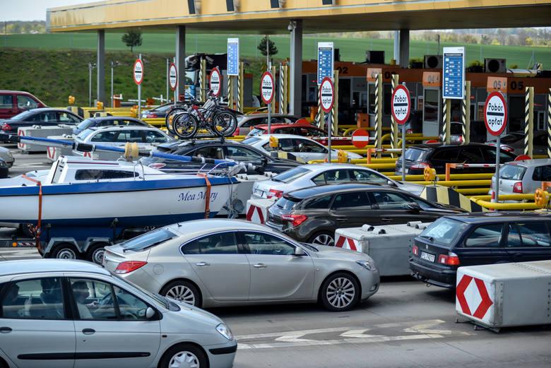 Uwaga kierowcy. Jest ogromny korek na autostradzie w regionie. Więcej informacji na kolejnej stronie >>>