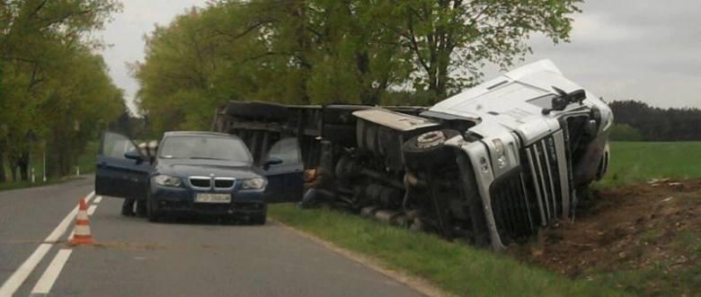 Parę dni temu na trasie pomiędzy Małuszowem i Torzymiem ciężarówka wypadła z trasy. Po wypadku wśród kierowców rozgorzała dyskusja na temat budowy w