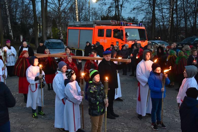 W czwartek, 2 kwietnia, 15 rocznica śmierci Jana Pawła II. Biskup Marian Florczyk o 18 odprawi mszę w Masłowie. Transmisja na naszym portalu