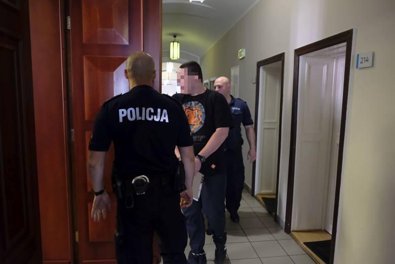 Ruszył proces prostytutki Malwiny S. i jej przyjaciela Tomasza Z., oskarżonych o stręczenie dziewcząt w Grudziądzu
