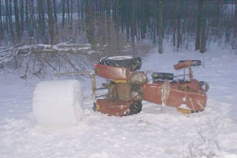 Traktor spadł ze skarpy [ZDJĘCIA]