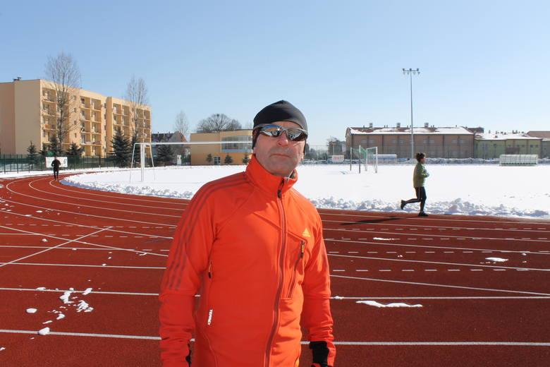 Piotr Kowalski jest biegaczem i szefem ŻTBS. Jeśli chcesz na niego zagłosować, wyślij SMS o treści GLMR.28 na numer 72355.
