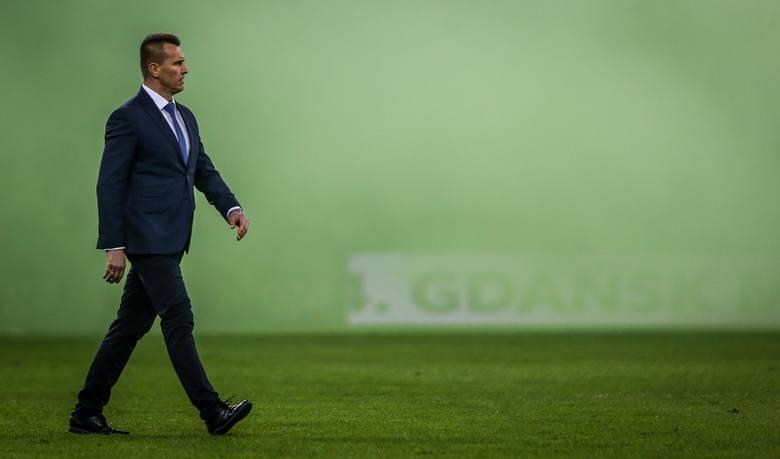 PKO Ekstraklasa. Zgadnijcie, do ilu zmian trenerów doszło w trakcie tego sezonu. Otóż pawidłowa odpowiedź brzmi: do siedmiu, ale ósma jest już w trakcie