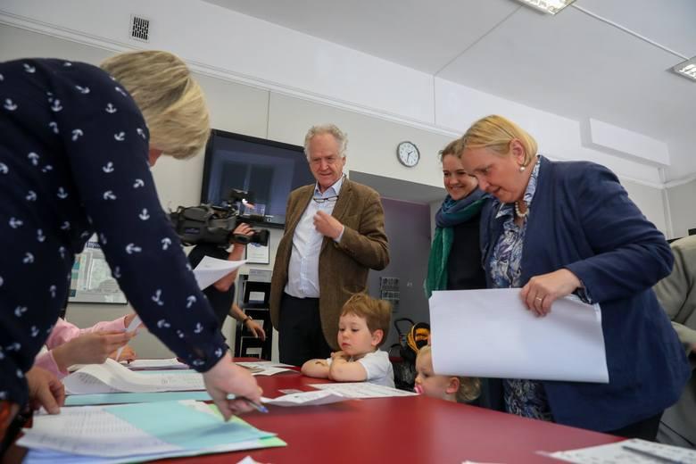 W wyborach do europarlamentu Róza Thun głosowała z całą rodziną.
