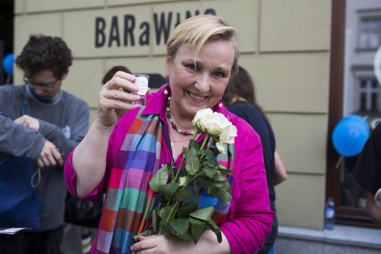 Róża Thun w Barometrze Bartusia: O tanim dzwonieniu, jakości jedzenia, śmierci na drogach i zagrożeniach ze strony sztucznej inteligencji
