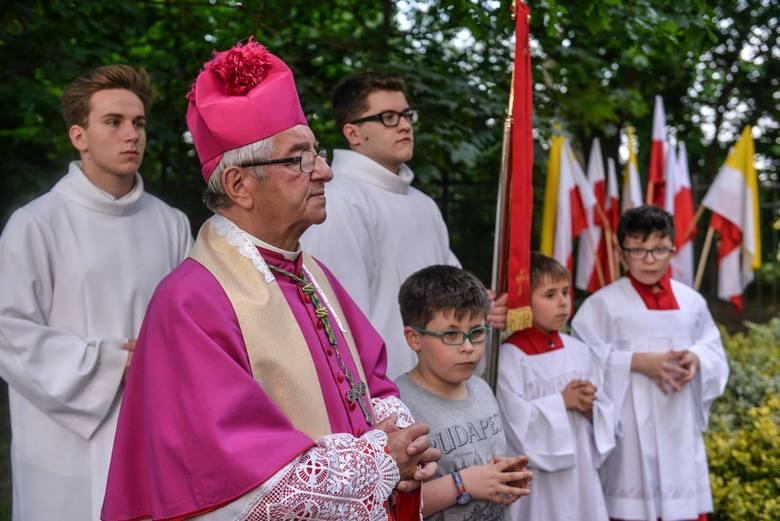 Abp Sławoj Leszek Głódź został ukarany przez Nuncjaturę Apostolską w Polsce za tuszowanie nadużyć seksualnych.
