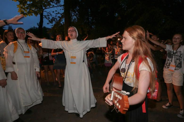 Papież do młodzieży: Nie bójcie się. Bądźcie radośni [ZDJĘCIA, WIDEO]