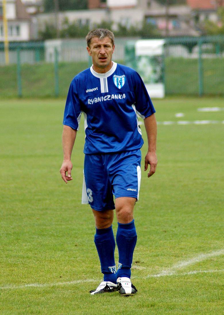 Grający trener Andrzej Miązek punktuje zarówno w klasyfikacji piłkarzy, jak i trenerów.