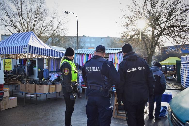 """Straż Miejska wspólnie ze Służbą Celną oraz policją prowadzą działania """"AKCYZA"""" na terenie Białegostoku. To akcja, która ma pomóc w"""