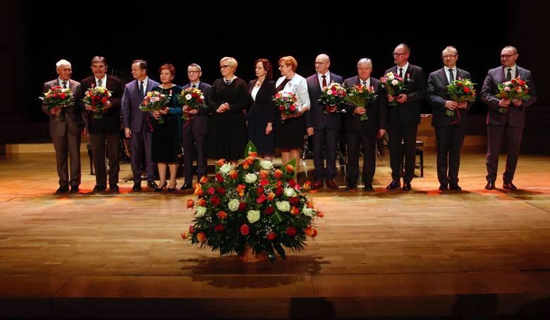 We wtorkowy wieczór w Filharmonii Podkarpackiej w Rzeszowie odbyła się uroczysta gala z okazji 20-lecia Samorządu Województwa PodkarpackiegoZOBACZ TEŻ: