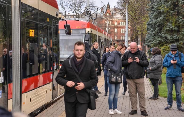 W czwartek 31.10.2019 dwa nowe tramwaje PESA wyjechały na gdańskie torowiska