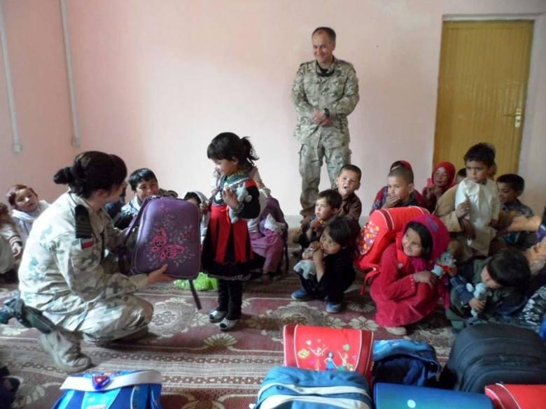 Pomóż dzieciom z Afryki i Afganistanu - przynieś ubranka dla dzieci [ZDJĘCIA]