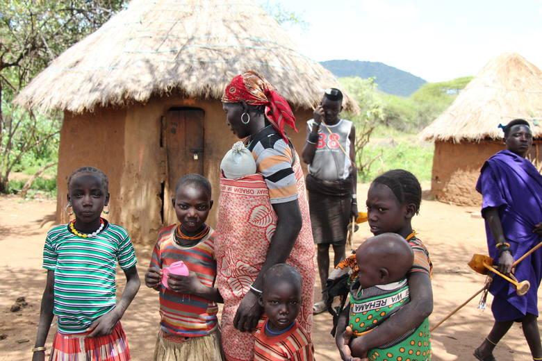 Monika Jamer, studentka Politechniki Opolskiej, na misji wśród kenijskiego plemienia Pokot