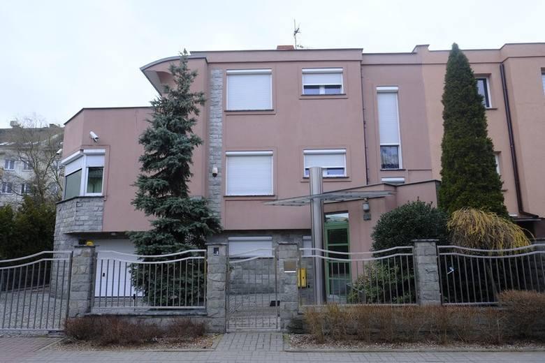 Mijający już rok rozpoczął się w Toruniu od rodzinnej tragedii. W jednym z domów przy ulicy Boboli doszło do zabójstwa. W tej sprawie został już sporządzony