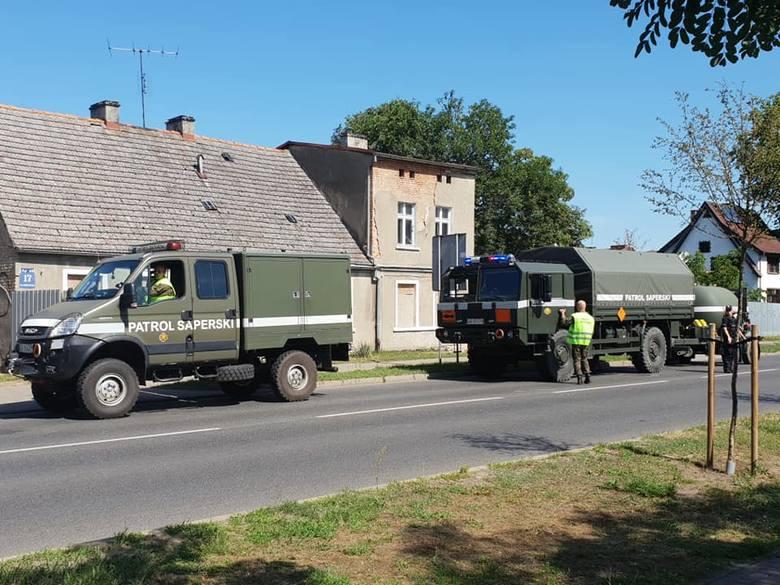 - Przy ul. Gorzowskiej stoi policja i saperzy - mówi nam Czytelnik z Kostrzyna. Sprawdziliśmy ten sygnał. Okazało się, że na terenie jednej z posesji
