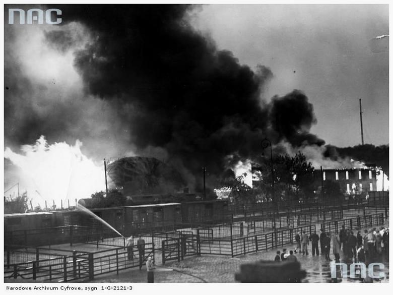 """Pożar w zakładach Spółki Akcyjnej """"Akwawit"""" oraz w Zakładach Litograficznych - 1937 rok"""