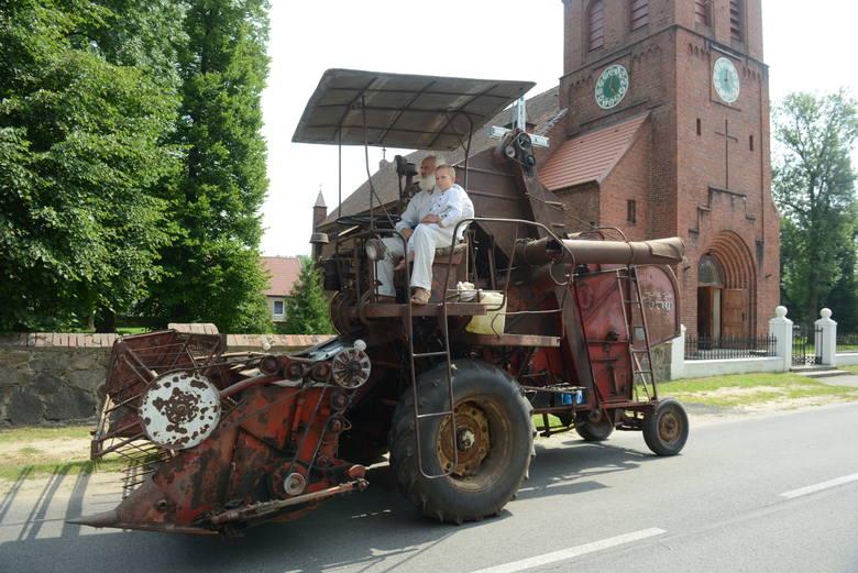 Żniwa to udręka nie tylko dla rolników, ale też dla kierowców