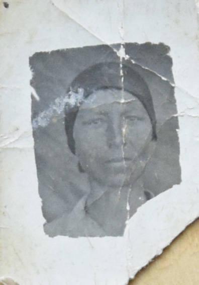 Jadwiga Pakulska, ciocia Elżbiety Rojek, podczas zesłania na Syberię w 1941 roku.<br />