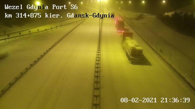 Ze względu na warunki pogodowe pojazdy ciężarowe nie mogą wjechać na wzniesienia na Obwodnicy Trójmiasta