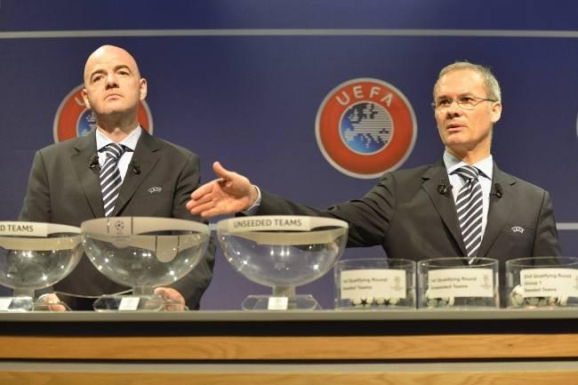 Gianni Infantino (z lewej) i Giorgio Marchetti mieli w losowaniu raczej dobrą rękę dla Śląska