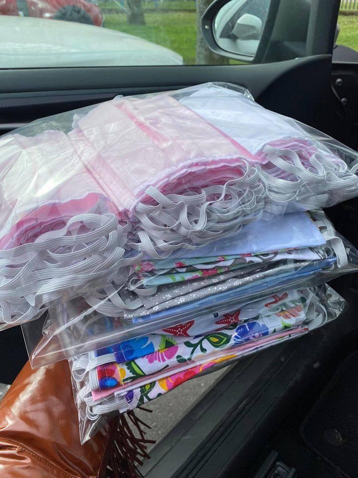 Łabiszyńska Aktywna Młodzież uszyła 400 maseczek w ciągu tygodnia, a materiału ma na kolejne 5 tysięcy masek!